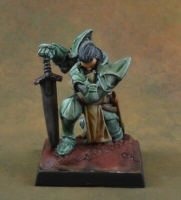 Painted Praying Paladin from Reaper Miniatures, D&D character, knight