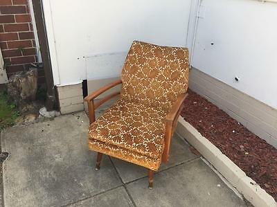Vintage retro rustic armchair chair lounge statement décor cottage chic