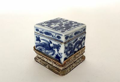 Antique Chinese Blue-and-White Porcelain Seal Paste Box 6-Characters Wanli Mark