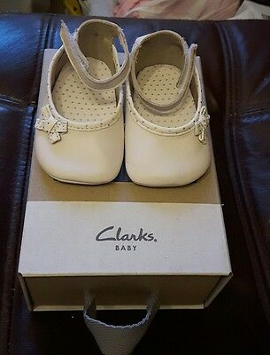 Clarks baby girls cream soft leather shoes size 6-9 months