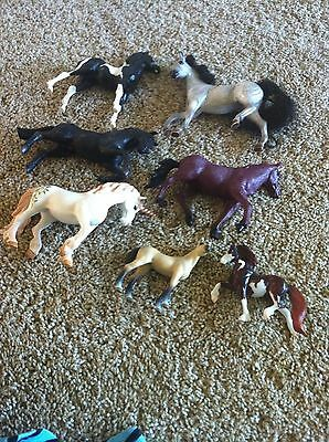 LOT OF 7 Variety HORSES:Reeves(3) Schleich(3),Greenbrier(1)