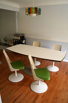 70s MID CENTURY MODERN SAARINEN STYLE TULIP ALUMINUM BASE DINING Table & 4 Chair