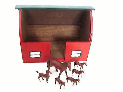 Hand Made And Hand Painted Toy Wood  Barn With 6 Horses  Mare & 5 Colts (Ertl)