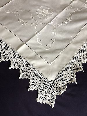 Gorgeous Edwardian Vintage White Cotton Tablecloth Crocheted Edging & Embroidery