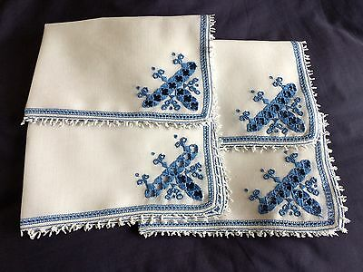 Superb Vintage White Linen Blue Italian Assisi Hand Embroidered Set 4 Place Mats