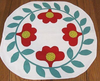 Folk Art! c 1930s PA Dutch Wreath TULIPS Table Vintage QUILT Applique