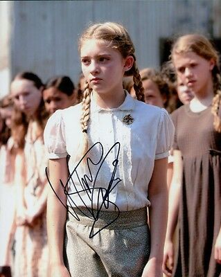 Willow Shields autographed 8x10 photo COA