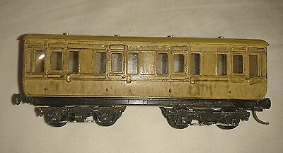 "HO/OO ""varnished"" passenger carriage"