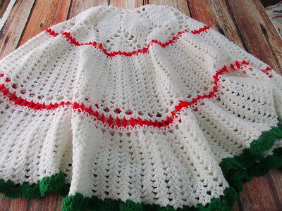 Handmade Christmas Tree Skirt Knitted Crocheted Vintage Red White Green 45""