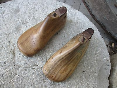 Antique Lovely Small Pair Rare Nº26 Wooden Cobbler Tool Shoe Child Forms Molds