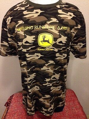 "John Deere ""Nothing Runs Like A Deere""Large Camouflage T-Shirt"