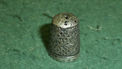 Hallmarked 1927 Solid Sterling Silver Ornate Henry Griffiths Thimble
