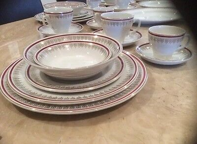 Antique Collectors Beautiful Large Dinner Set Made In England