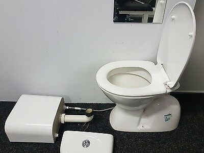 TOILET - White bought from Bunnings - Excellent condition