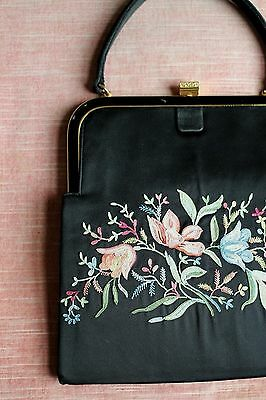 VTG 1950's Koret Black Silk With Hand Stitched Floral Embroidery Frame Purse