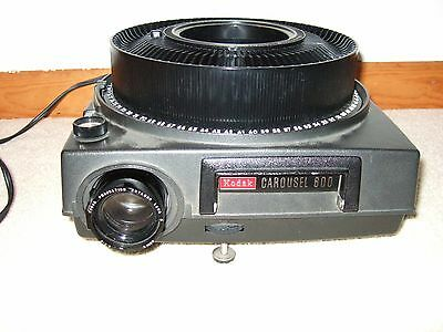 Kodak 600 Carousel Slide Projector With Screen And 7 Carousels