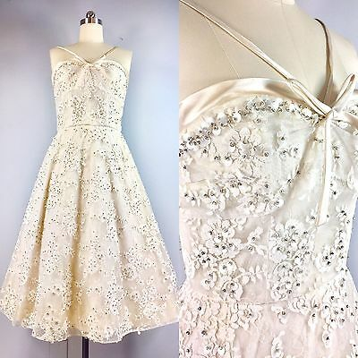 Vintage 1950s White Pearl Lace Sequin Cocktail Wedding Cotillion Dress 36.5 bust