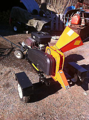 "WOOD CHIPPER 4.5"" 18hp Gas Street Towable Electric Start Ready to Work!"