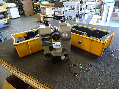 Zeiss ETh 2 Electronic Precision Theodolite / Transit Scope w/ Carrying Case