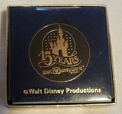 Vintage 1986 15 Years of Walt Disney World anniversary commemorative coin medal
