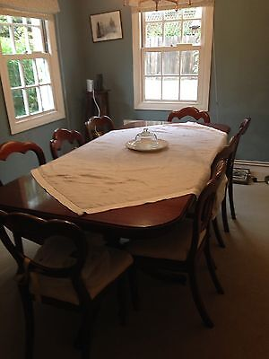 Beautiful Reproduction Antique Style Dining Table