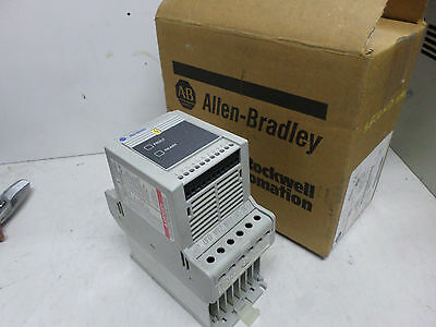 ALLEN BRADLEY VFD - 160-BA02NSF1 - .55kW 380-460 3 Ph Supply w/Analog SF - SER C