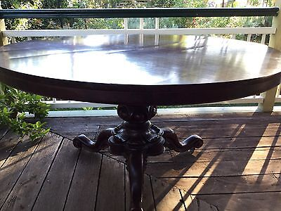 Antique Cedar Round Table 1880s Heavily Carved Pedestal Dinning