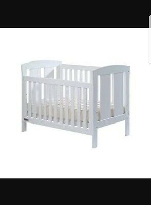 TASMAN ECO CAPRI Baby cot bed WHITE with Cheeky Bub Mattress VERY NEW CONDITION