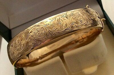 Lovely Ladies Full Hallmarked Vintage 9ct Gold Wide Patterned Bangle Bracelet