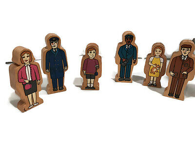 6 Wooden playset People compatible with Brio  or *Thomas Train * Gullane 2001
