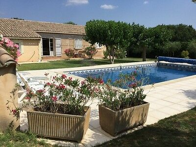 Pretty villa/ house  for 6, with pool . UZES, PROVENCE. S.  France. AUGUST OFFER