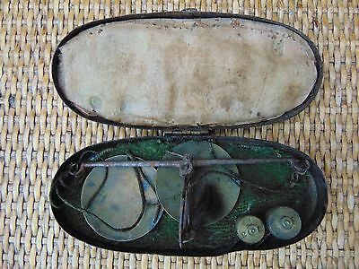 ANTIQUE 18th CENTURY HAND HELD COIN GOLD SOVEREIGN GUINEA POCKET SCALES CASED