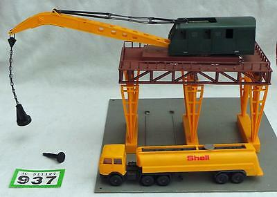 G937 Lima FREIGHT TERMINAL CRANE with tanker lorry 00 gauge