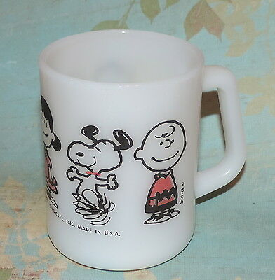 Vintage Peanuts Snoopy Charlie Brown Lucy Linus Federal Oven Glass Coffee Mug