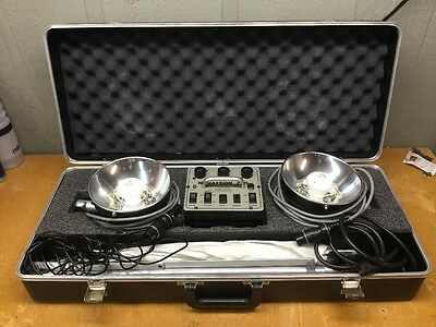 Novatron 240 Photo Strobe Lighting Set w/Stands & Umbrellas  USED