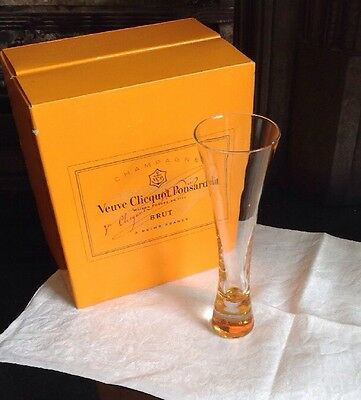 *BRAND NEW* Veuve Clicquot Ponsardin Champagne Trendy Glass Flute, NOT ACRYLIC