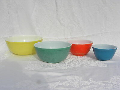 4 Vintage Pyrex Primary Color Nesting Mixing Bowls