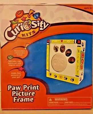 Paw Print Picture Frame Kit Wall Frame For Dog Cat Momento Curiosity Kits NEW