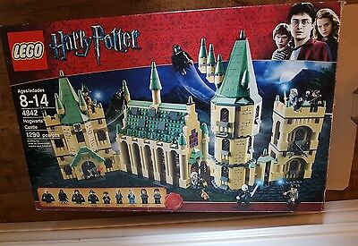 100% Complete LEGO 4842 Harry Potter Hogwarts Castle 2010 Minifigures with BOX!