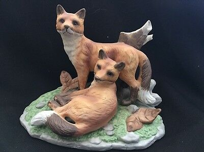 Gorgeous VTG 2 Red Fox Family Bisque Porcelain Figurine Realistic Nature Setting