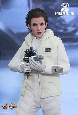 Hot Toys MMS423 Star Wars The Empire Strikes Back Princess Leia 1/6 Figure
