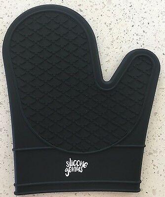 Heat Resistant Silicone Oven Glove, Pot Holder & BBQ Cooking Mitt