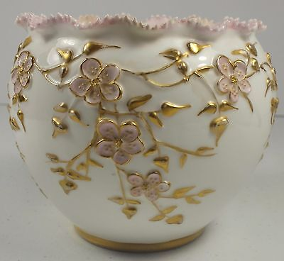 Beautiful Knowles Taylor Knowles Porcelain Lotus Ware Bowl W/ Embossed Flowers
