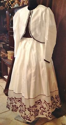 Ladies White and Brown Outfit Western Style Re-enactment