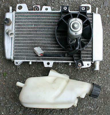 Gilera Runner 200 2005 05 Radiator Rad Header Tank Engine Cooling Radiator