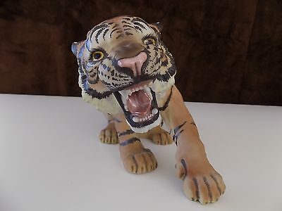 Bengal Tiger by C. Martinu Pottery (Spain)