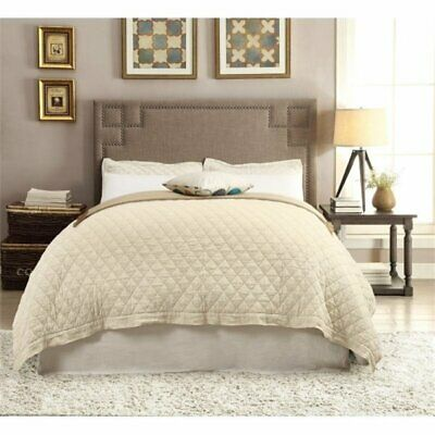 Bowery Hill Queen Tufted Platform Bed in Gray