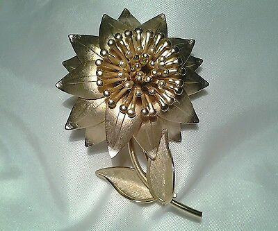 Vintage Estate Satin Large Gold Sunflower Brooch Pin & Clip Earrings Demi Set