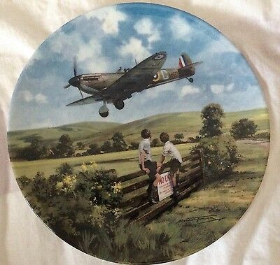 SPITFIRE COMING HOME   Heroes of the Sky  Royal Doulton Collectors Plate