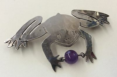 Fun!!! WILD BRYDE Vintage Signed Hammered Silvertone Frog Holding Ball Brooch